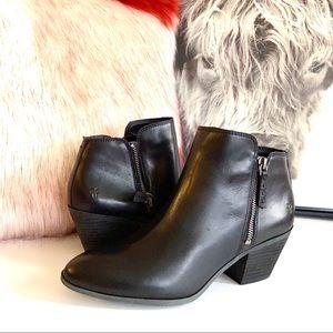 🔖9 FRYE Women's Leather Judith Zip Ankle Boots